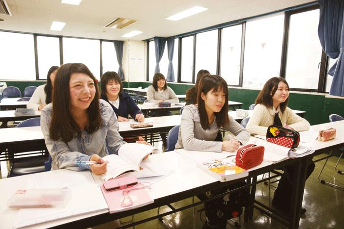 専門学校 女子2